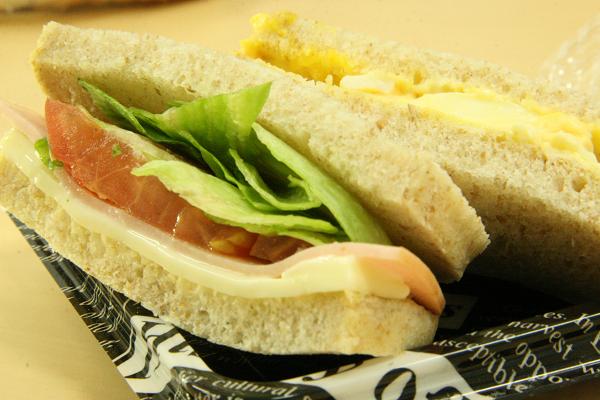 ライ麦サンドイッチ